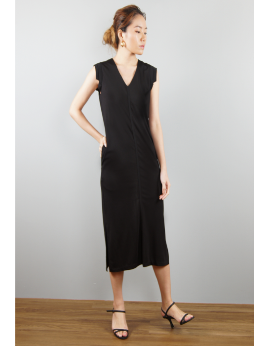 V NECKED SLEEVELESS DRESS